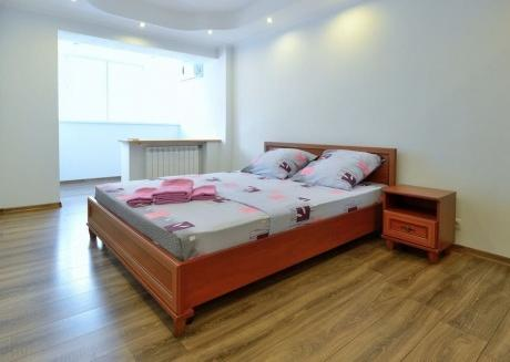 Luxury two bedroom in Pechersk
