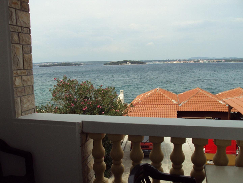 Terrace overlooking the sea Slide-1