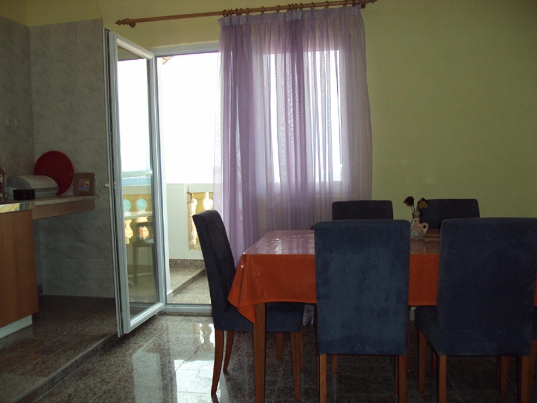 dinning room and kitchen Slide-3