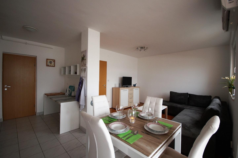Lovely Apartment in Pula Slide-4