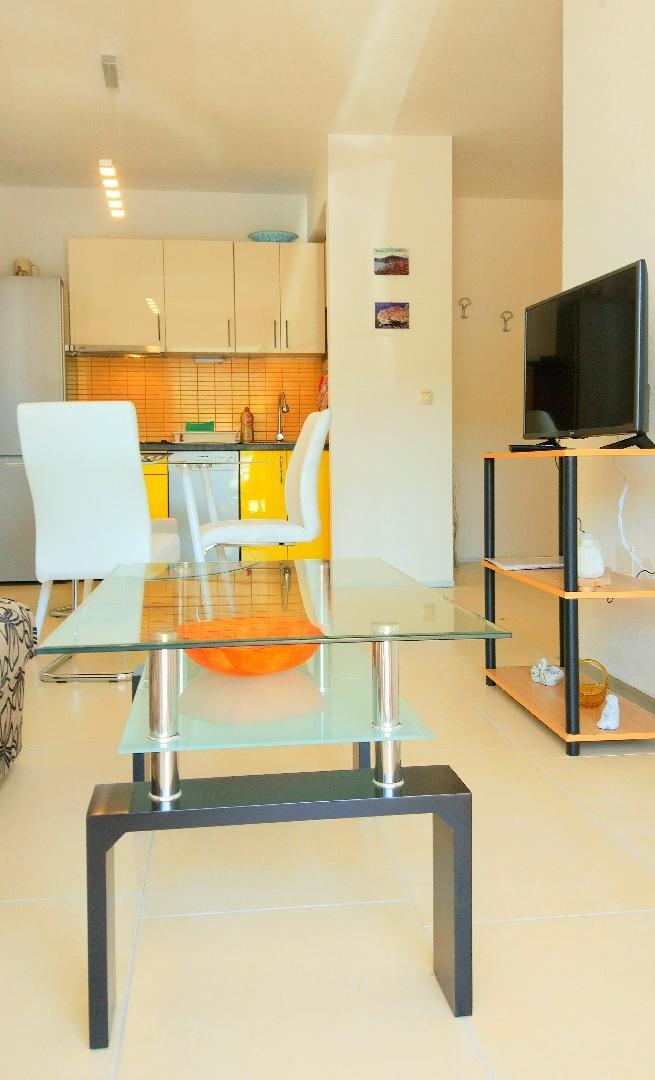 New modern apartments for 4 persons Slide-1