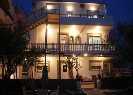 Dimitra luxus house