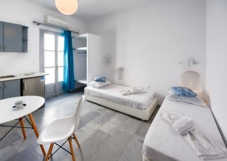 Deluxe suite in Naxos town (4people)