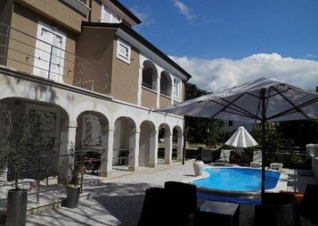 Studio Apartment No 02 with pool in Funtana