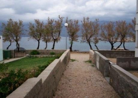 Apartments Mar for 6 persons Razanac