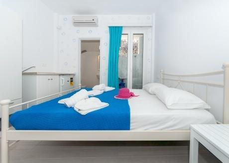 Depis place Naxos town double studio ground floor