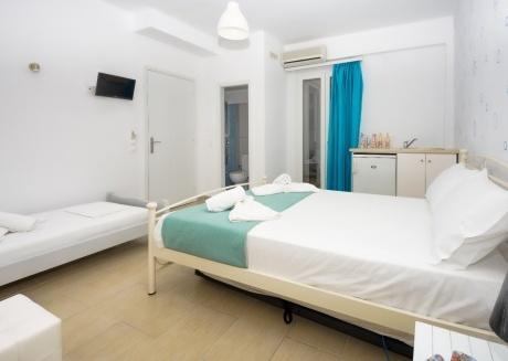 Depis place triple basement room Naxos town