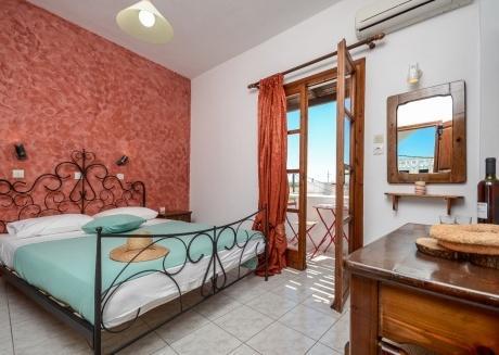 depis economy DOUBLE room Naxos town