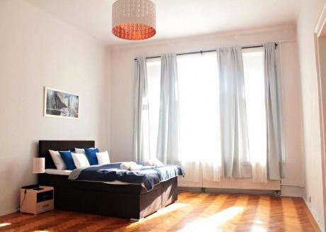 Beautiful Three Bedroom Suite, Kazimierz District!