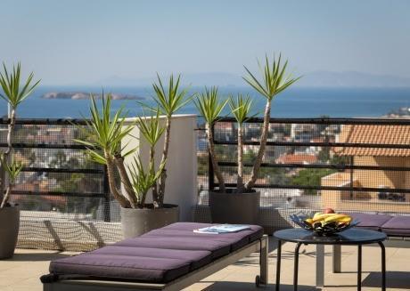 Spacious Villa-apartment with sea view!
