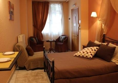 Spacious private double room (center of Nafplion)