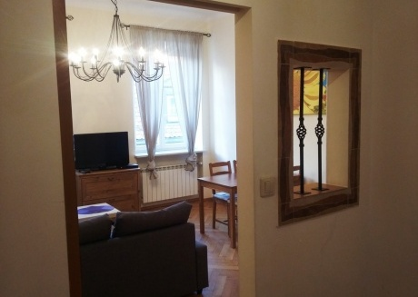 OLD TOWN APARTMENTS 2 Beds Floor: 2