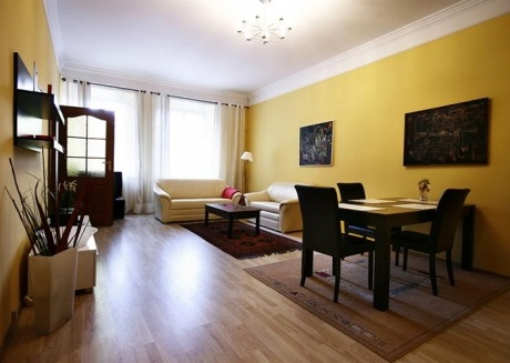 OLD TOWN APARTMENTS 2 Beds Floor: 1