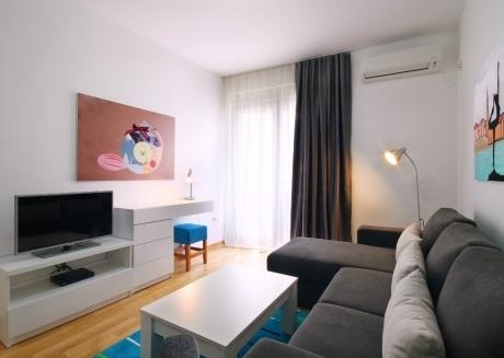 Aquamarine - two bedroom app - Near the Old Town