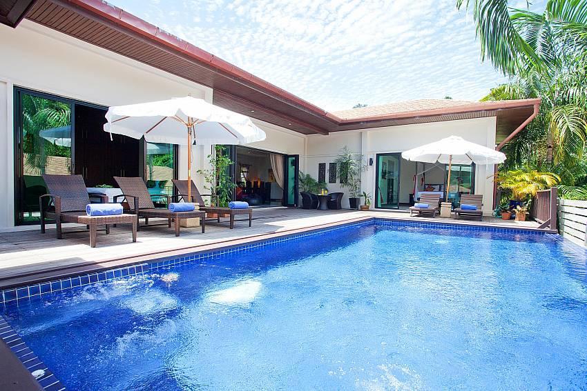 Ploi Jantra Villa | 5 Bed Large Serviced Holida... Slide-1