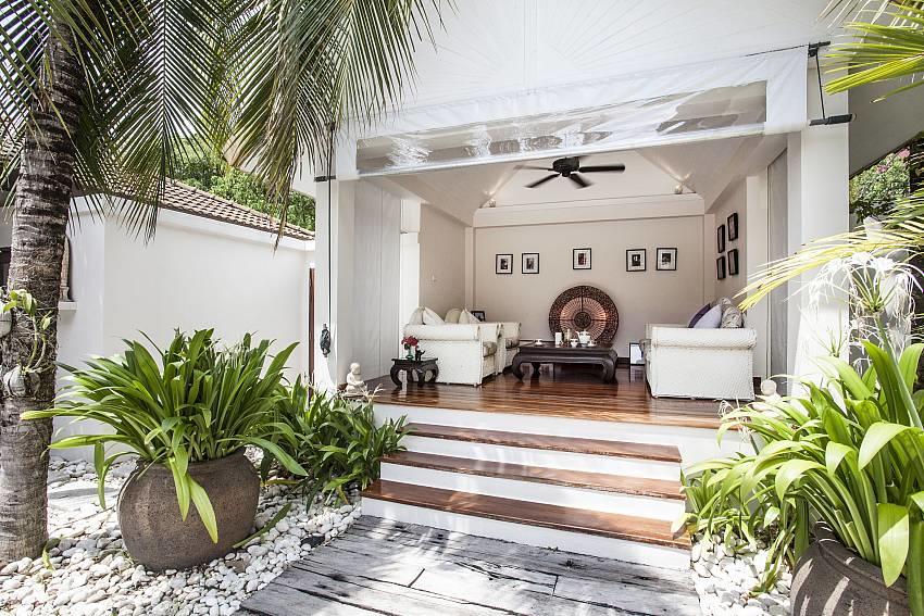 Villa Kanya | Stylish 4 Bed Holiday Pool Home i... Slide-21