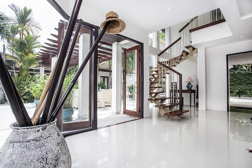 Villa Kanya | Stylish 4 Bed Holiday Pool Home i... Slide-20