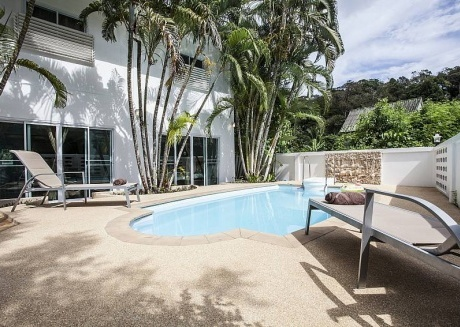 Villa Phawta | 2 Bed Pool Holiday Home in Kamala Phuket
