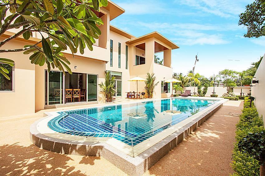 Pensri Villa | 4 Bed Pool Summer House in Rawai... Slide-38