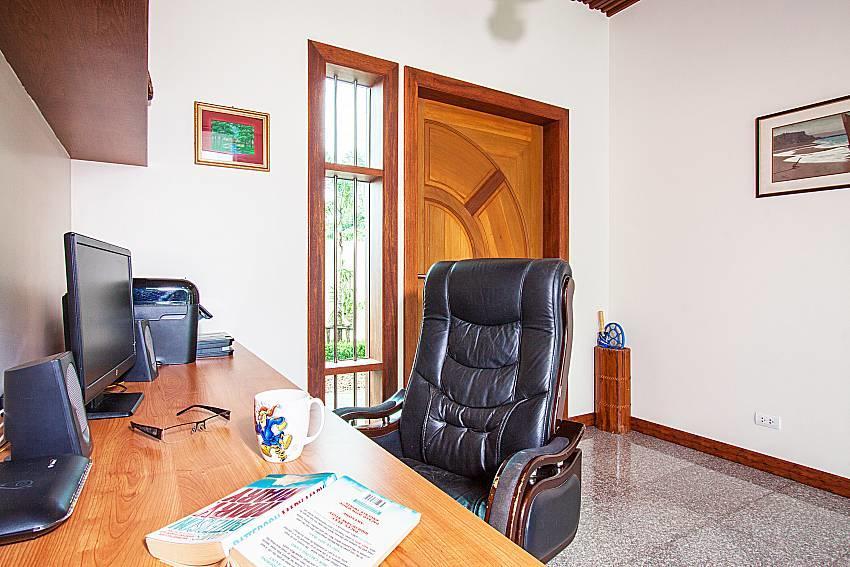 Pensri Villa | 4 Bed Pool Summer House in Rawai... Slide-36