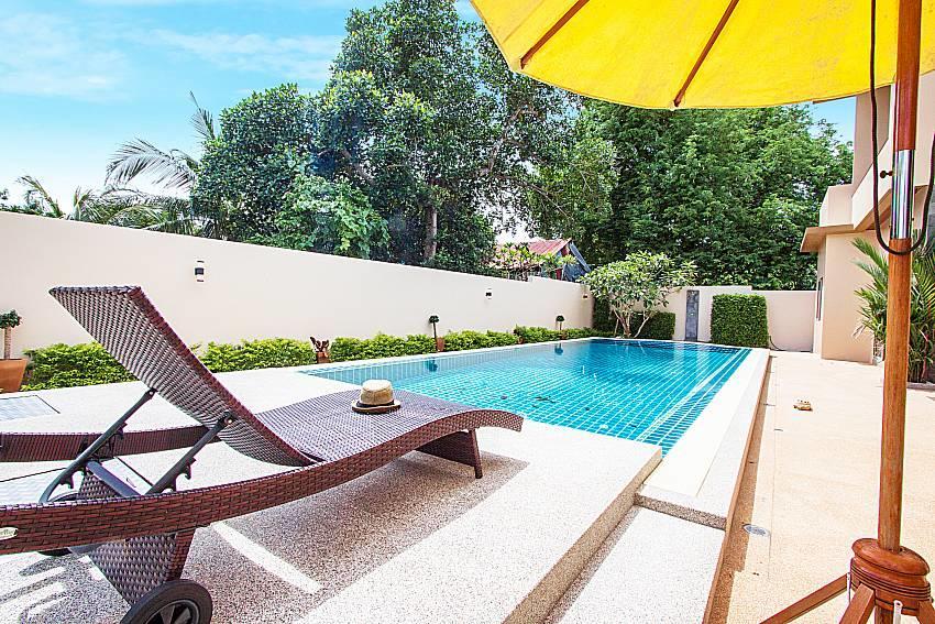 Pensri Villa | 4 Bed Pool Summer House in Rawai... Slide-3