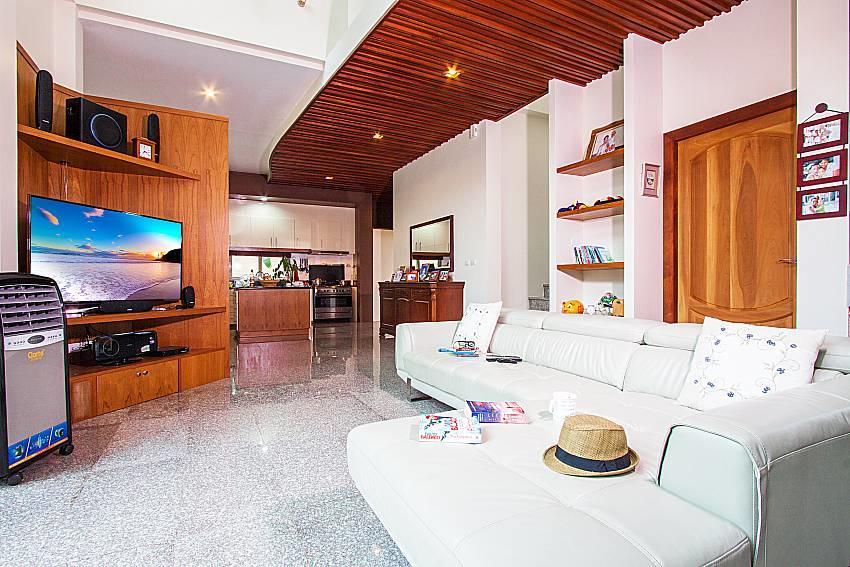 Pensri Villa | 4 Bed Pool Summer House in Rawai... Slide-4