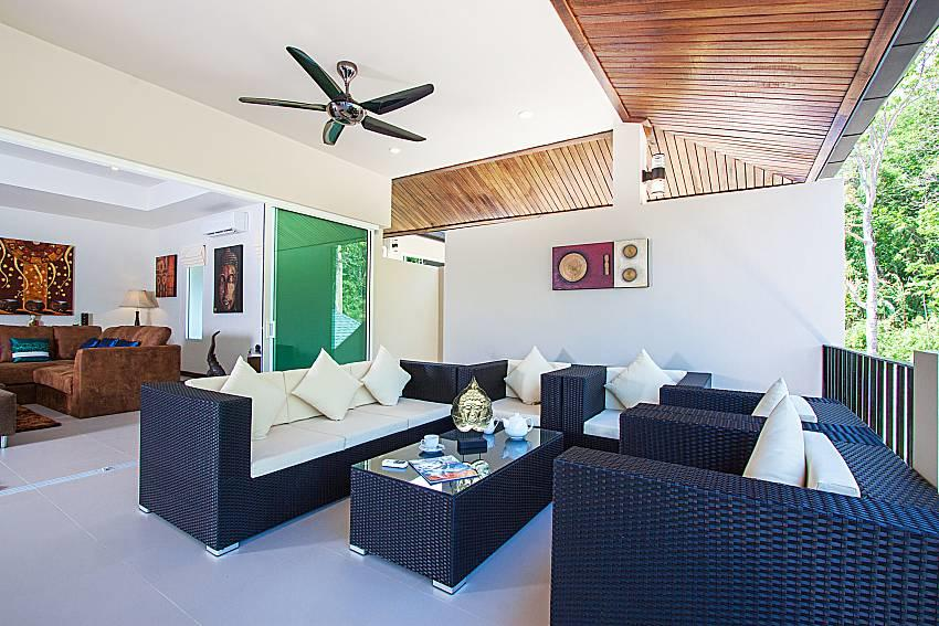 Si Fah Villa | 7 Bed Splendid Tropical Rental i... Slide-4