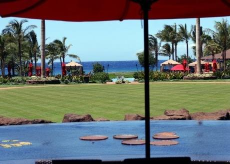 Oceanfront 2br/2ba: Pool,lanai,steps to the beach
