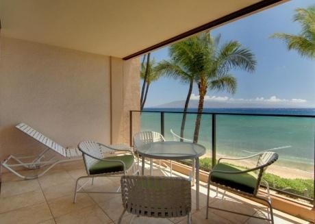 Oceanfront 1br/1ba: Pool, hot tub,whale watching