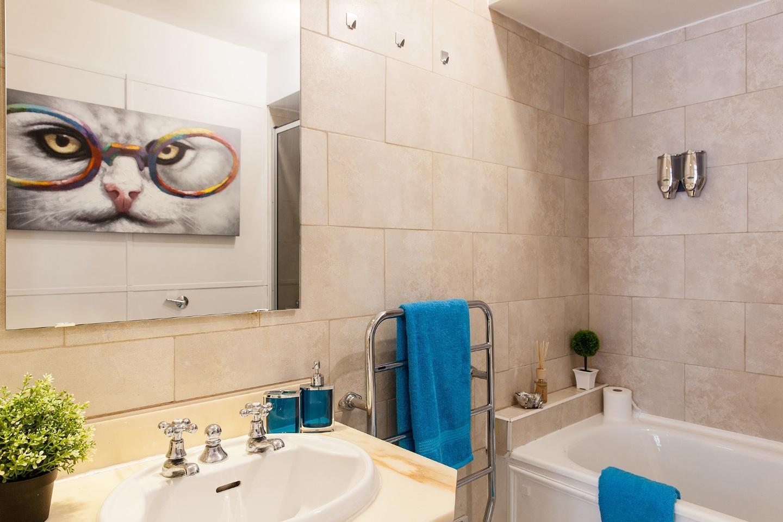 Ensuite bathroom (tub + shower, sink toilet, to... Slide-23