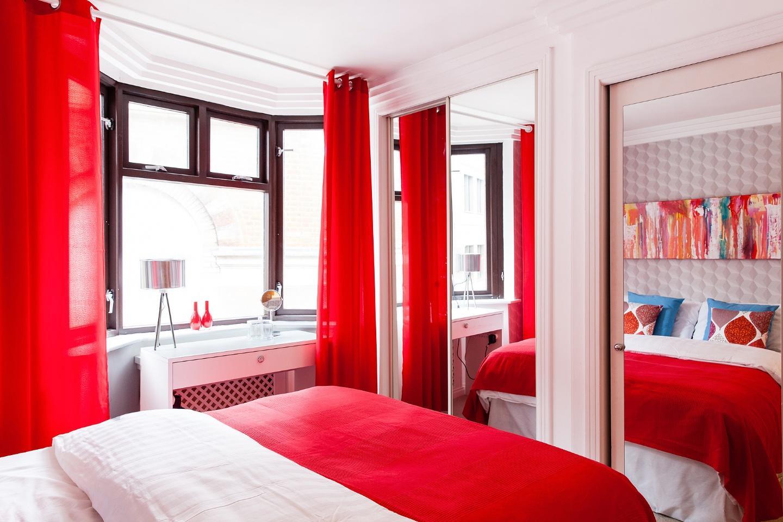 Well-designed Master's Bedroom Slide-22
