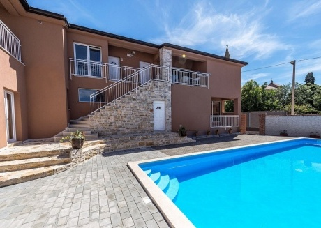 Spacious apartment in the center of Tar with Parking, Internet, Air conditioning, Pool