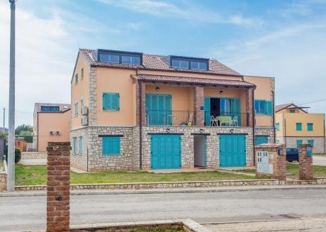 Cozy apartment in Nova Vas with Parking, Internet, Washing machine, Air conditioning