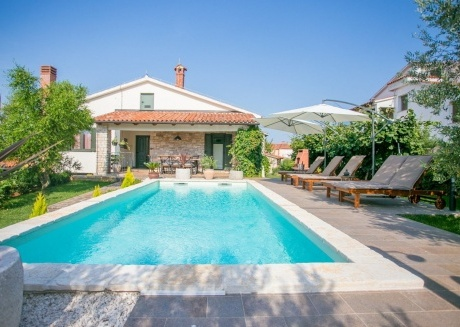 Spacious villa in the center of Tar with Parking, Internet, Washing machine, Air conditioning