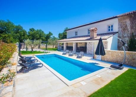 Spacious villa in Nova Vas with Parking, Internet, Washing machine, Air conditioning