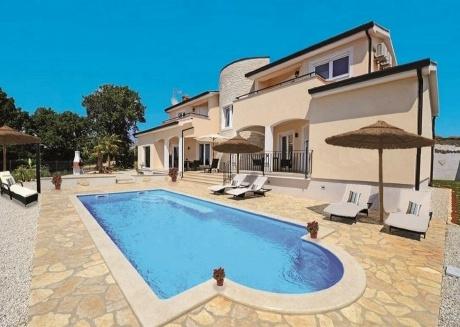 Spacious villa in Kaštelir with Parking, Internet, Washing machine, Air conditioning