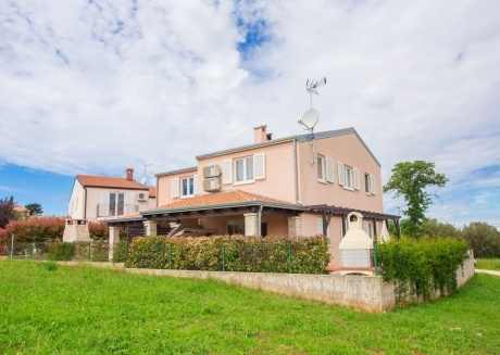 Spacious house in the center of Tar with Parking, Internet, Washing machine, Air conditioning