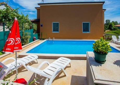 Spacious aparthotel in Nova Vas with Parking, Internet, Washing machine, Air conditioning