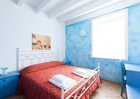 Cozy apartment in the center of San Felice del Benaco with Air conditioning, Terrace