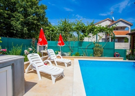 Spacious apartment in Nova Vas with Internet, Washing machine, Air conditioning, Pool