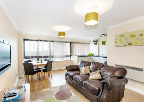 Spacious apartment in the center of Milton Keynes with Parking, Washing machine