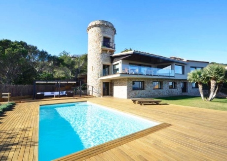 Cozy house in Sa Riera with Parking, Internet, Washing machine, Pool