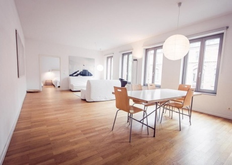 Spacious apartment very close to the centre of Berlin with Internet