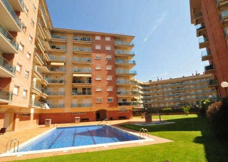 Cozy apartment in Santa Susanna with Lift, Parking, Internet, Washing machine