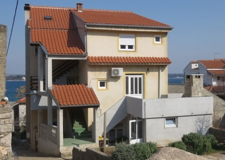 Spacious apartment in the center of Tkon with Parking, Internet, Air conditioning, Balcony
