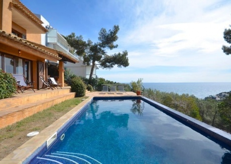 Cozy house in Palafrugell with Washing machine, Pool, Garden, Terrace