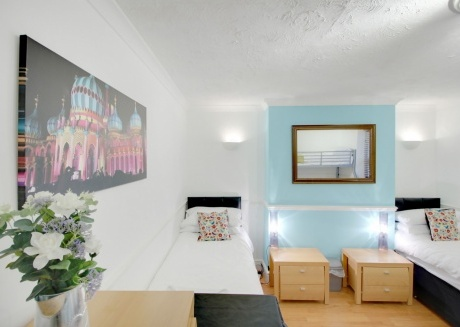 Spacious apartment in the center of Brighton with Internet, Washing machine