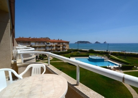 Cozy apartment in the center of Els Griells with Pool, Garden
