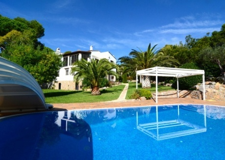 Cozy villa in the center of La Torre Vella with Parking, Washing machine, Air conditioning, Pool