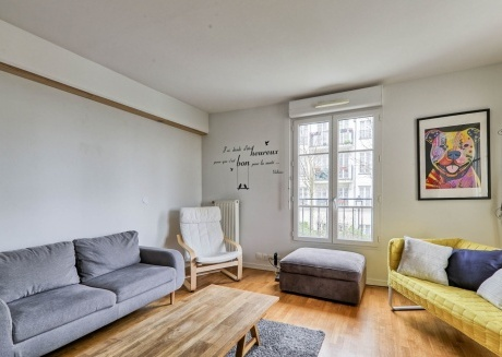 Cozy apartment close to the center of Chessy with Lift, Parking, Internet, Washing machine